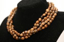 Malika, collier Torsade, Larmes de Job marron, éléments en argent et fermoir argent