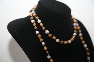Simple sautoir à noeuds, Larmes de Job, violettes, marrons et grises